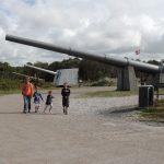 Alte Geschütze am Bunkermuseum